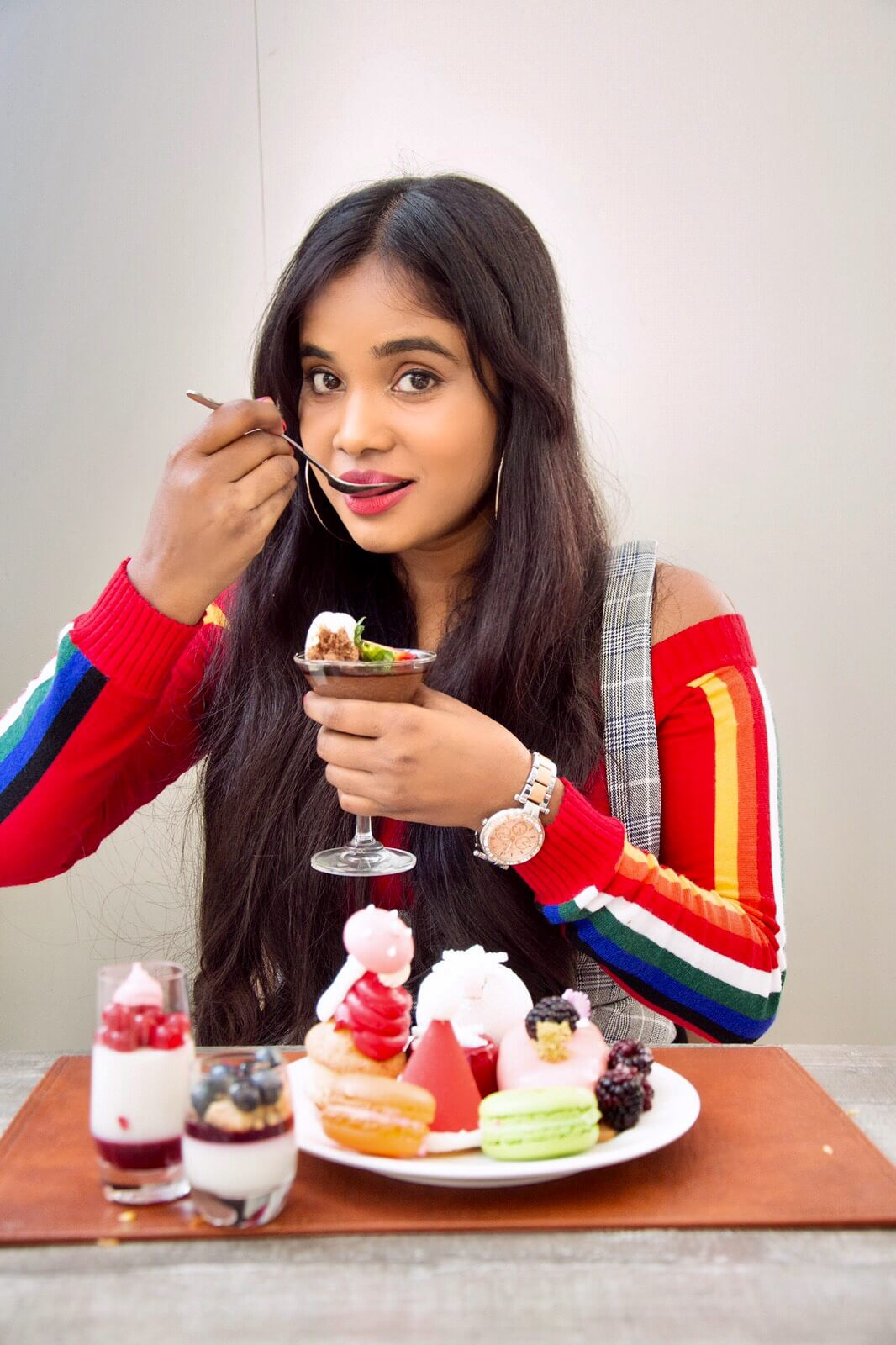 girl eating cakes